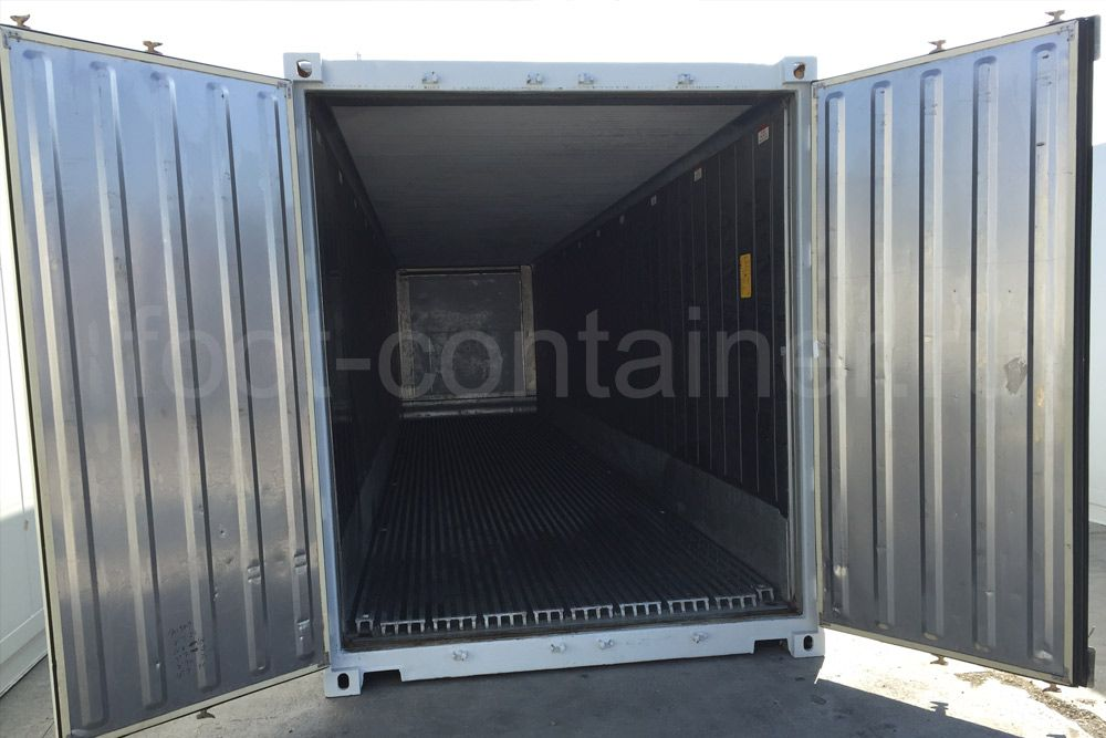 Рефконтейнер 40 футов RC высокий Carrier 2001 двери открыты
