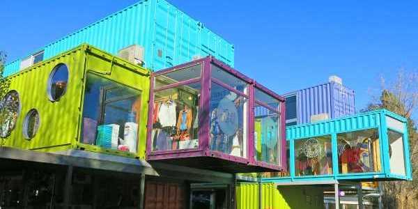 Торговый центр в Аргетнине из морских контейнеров