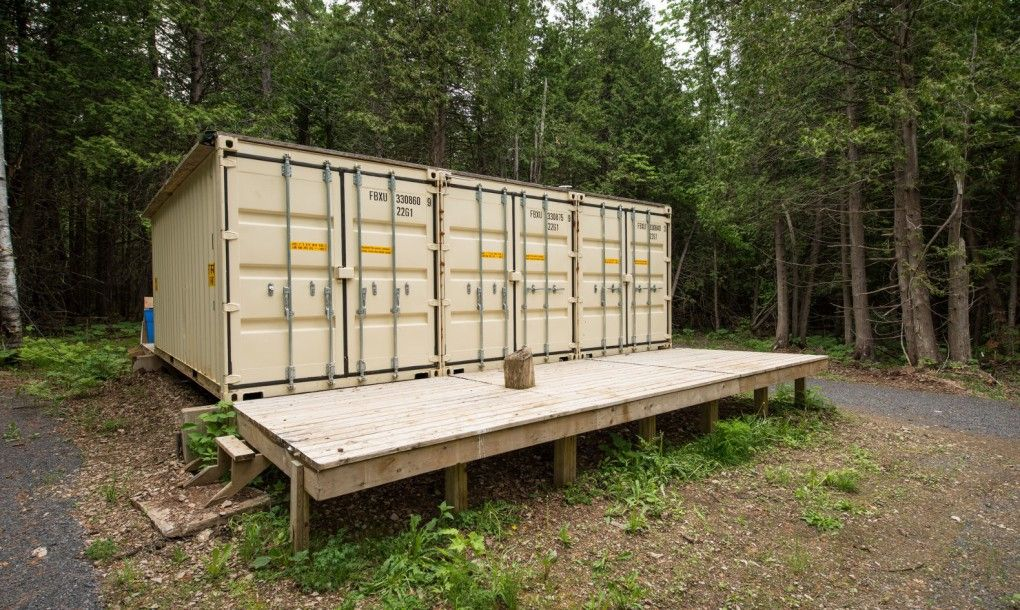 Joseph-Dupuis-shipping-container-home-5