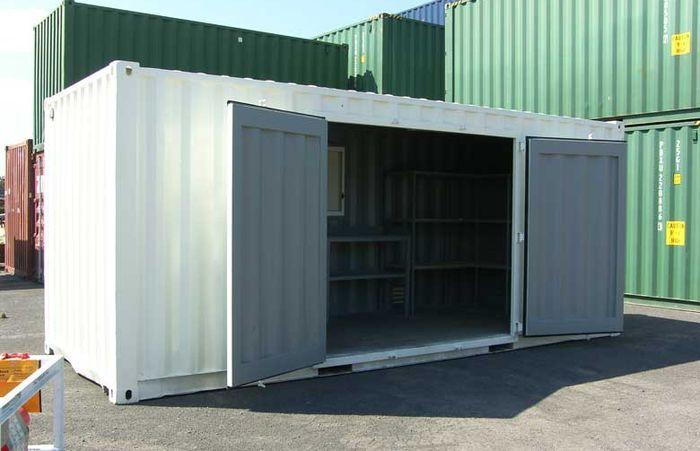 Как оборудовать складской контейнер