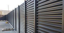 Американцы задумались о строительстве контейнерной стены на границе с Мексикой
